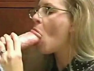 AnyPorn Porno - Innocent Looking Milf Gets An Oral Creampie Any Porn