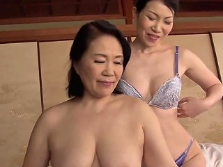 BravoTeens Porno - Mature Japanese Woman Spreads Her Legs For A Lesbian Shag