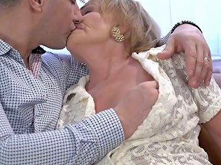 XCafe Porno - Wrinkled Ugly Old Slut Sally G Gets Her Mature Cunt Fucked Doggy
