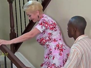 XHamster Porno - Blonde Granny Invites Black Dad For Creampie